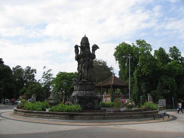 catur-muka-statue